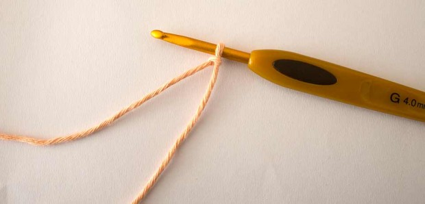 slip knot crochet hook