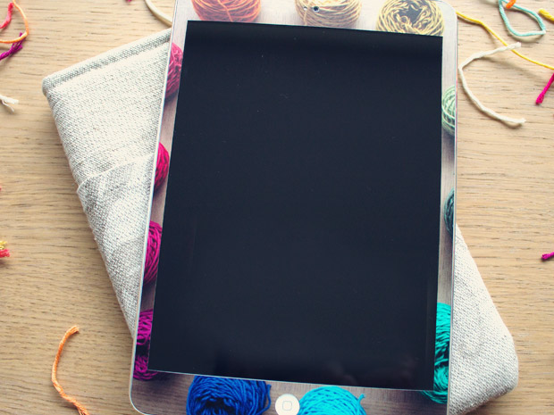 detail-decal-ipad-front