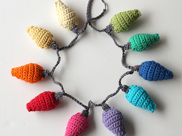 wink-crochet-christmas-lights-final-item-2