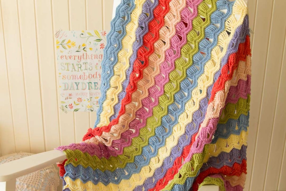 free pattern: vintage fan ripple blanket - a creative being