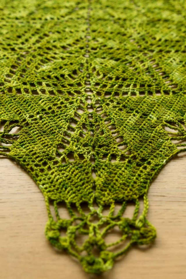 acreativebeing-shawl-wars-part-II-gathering-leaves-shawl-4