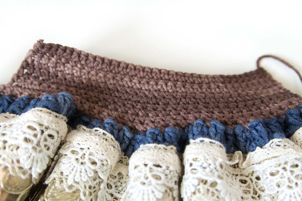 acreativebeing-scheepjes-soft-fun-denim-yarn-fat-bottom-bag-how-to-pattern-free-10